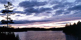 /images/133/1998-08-tema-smooth-sunset-pano.jpg - 00138: sunset by Temagami Outfitters … August 1998 -- Temagami, Ontario.Canada