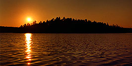 /images/133/1998-09-tema-nip-sunset-pano.jpg - #00150: sunset on Anima Nipissing Lake … Sept 1998 -- Anima Nipissing Lake, Temagami, Ontario.Canada