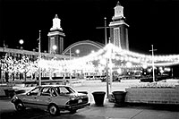 /images/133/1998-12-navy-pier-tempo-bw.jpg - #00217: my Ford Tempo at Navy Pier in December … Dec 1998 -- Chicago, Illinois