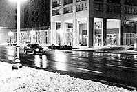 /images/133/1999-02-chicago-bw1.jpg - #00245: along Michigan Avenue … Feb 1999 -- Chicago, Illinois