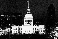 /images/133/1999-02-st-louis-bw5.jpg - #00278: St Louis at night … Feb 1999 -- St Louis, Missouri