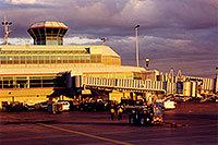 /images/133/1999-08-phoenix-airport-eve.jpg - #00358: late afternoon at Phoenix airport … August 1999 -- Phoenix, Arizona