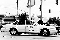 /images/133/1999-08-phoenix-police-bw.jpg - #00360: Police at work on a Phoenix midday  … August 1999 -- Phoenix, Arizona