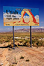 /images/133/1999-08-utah-welcome-sign.jpg - #00372: Welcome to Utah - Still the right place -Centennial 1896 to 1996 … sign by Lone Rock … August 1999 -- Lone Rock, Lake Powell, Utah