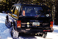 /images/133/1999-11-jeep-snow-tracks.jpg - #00455: along the road from Aspen to Independence Pass … Nov 1999 -- Independence Pass, Colorado