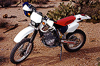 /images/133/2000-04-xr-florencej.jpg - #00482: my Honda XR400 near Florence Junction … April 2000 -- Apache Junction, Arizona