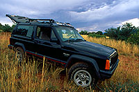 /images/133/2000-08-sedona-monsoon-jeep.jpg - #00599: monsoon sky in Sedona … August 2000 -- Sedona, Arizona