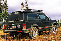 /images/133/2000-09-colo-aspen-jeep.jpg - #00641: my Cherokee at Aspen mountain … after a super-steep uphill and nearly tipping … Sept 2000 -- Aspen, Colorado