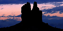 /images/133/2000-09-mexican-hat-blue-pano.jpg - #00659: sunrise near Mexican Hat, Utah … Sept 2000 -- Mexican Hat, Utah