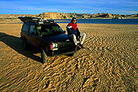 /images/133/2000-12-powell-jeep-me1.jpg - #00732: into the unknown ... Phoenix to Toronto, Canada via Colorado … Dec 2000 -- Lone Rock, Lake Powell, Utah