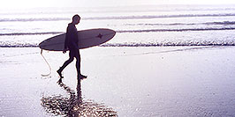 /images/133/2001-03-cali-hunti-fog-surfer-pano.jpg - #00774: Surfer at Huntington Beach … Feb 2001 -- Huntington Beach, California
