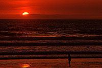 /images/133/2001-03-cali-sunset-bird.jpg - #00769: Sunset at Huntington Beach … March 2001 -- Huntington Beach, California