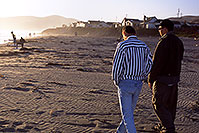 /images/133/2001-07-cali-against-sun.jpg - #00782: Martin & Peter near Oceania, North California … July 2001 -- Oceania, California