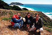 /images/133/2001-07-cali-bigsur-us3.jpg - #00794: Our team in Big Sur … July 2001 -- Big Sur, California