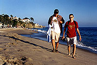 /images/133/2001-07-cali-dana-pj-martin.jpg - #00796: Peter & Martin at Aliso Creek Beach at Laguna Beach … July 2001 -- Aliso Creek Beach, Laguna Beach, California