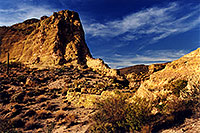/images/133/2001-09-supersti-rocks-suns.jpg - #00913: Reavis Ranch Trail … Sept 2001 -- Superstitions, Arizona