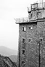 /images/133/2002-08-lomnicky-vert-bw5.jpg - #01099: building at top of  Lomnicky Stit … August 2002 -- Lomnicky Stit, Vysoke Tatry, Slovakia