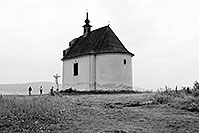 /images/133/2002-08-spissky-church-bw.jpg - #01120: An old church near Spissky Hrad … August 2002 -- Spissky Hrad, Slovakia