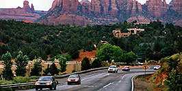 /images/133/2003-06-sedona-cars-rocks-pano.jpg - #01247: cars leaving city of Sedona and heading to Oak Creek … June 2003 -- Sedona, Arizona