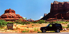 /images/133/2003-06-sedona-jeep-bell-rock-pano.jpg - #01248: Bell Rock in Oak Creek … June 2003 -- Sedona, Arizona