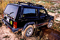 /images/133/2003-11-09-jeep-crossing1.jpg - #01356: my Jeep Cherokee … somewhere in Utah … Nov 2003 -- Utah