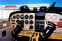 /images/133/2003-11-cessna-cockpit1.jpg - #01358: inside of a 4 seater Cessna at Centennial airport … Nov 2003 -- Centennial, Colorado