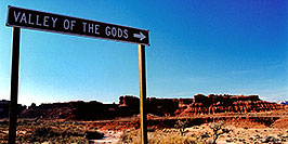 /images/133/2003-11-moab-vofgods.jpg - #01366: Valley of the Gods … Nov 2003 -- Moab, Utah