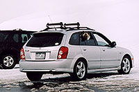 /images/133/2004-04-loveland-dog-car.jpg - #01466: Loveland Pass … April 2004 -- Loveland Pass, Colorado