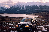 /images/133/2004-04-twinlakes-jeep.jpg - #01476: Evening at Twin Lakes … April 2004 -- Twin Lakes, Colorado