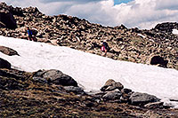 /images/133/2004-06-mtevans-hikers2.jpg - #01559: hikers at 12,000 ft  … June 2004 -- Mt Evans, Colorado