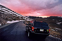 /images/133/2004-06-mtevans-jeep-sunset.jpg - #01569: sunset at Mt Evans … 13,000ft  … June 2004 -- Mount Evans Road, Mt Evans, Colorado