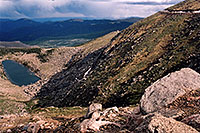 /images/133/2004-06-mtevans-lincoln-la2.jpg - #01571: view of Lincoln Lake from Mt Evans road … Mt Evans road in upper right … June 2004 -- Lincoln Lake, Mt Evans, Colorado