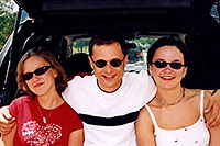 /images/133/2004-07-estes-me-ane-ewka.jpg - #01662: Aneta, me and Ewka at Estes Park Lake … July 2004 -- Estes Park, Colorado