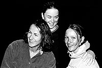 /images/133/2004-07-grand-3-bw5.jpg - #01691: Ola, Ewka and Aneta … July 2004 -- Navajo Point, Grand Canyon, Arizona