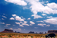/images/133/2004-07-monvalley-1.jpg - #01742: images of Monument Valley … July 2004 -- Monument Valley, Utah
