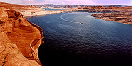 /images/133/2004-07-powell2-waheep3-pano.jpg - #01777: images of Wahweap and Lake Powell … July 2004 -- Wahweap, Lake Powell, Utah