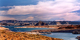 /images/133/2004-07-powell2-waheep6-pano.jpg - #01780: images of Wahweap and Lake Powell … July 2004 -- Wahweap, Lake Powell, Utah