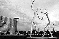 /images/133/2004-08-denver-figures-bw2.jpg - #01864: Denver Figures  - Performing Arts Center … August 2004 -- Denver Figures, Denver, Colorado