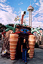 /images/133/2004-08-sixflags-carrot-ola.jpg - #01980: Ola at Six Flags Amusement Park … August 2004 -- Six Flags, Denver, Colorado