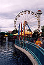 /images/133/2004-08-sixflags-ferris2.jpg - #01983: Ferris Wheel at Six Flags Amusement Park … August 2004 -- Six Flags, Denver, Colorado