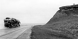 /images/133/2004-08-wyo-rider2.jpg - #02021: rider … near Cheyenne … August 2004 -- Cheyenne, Wyoming