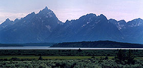 /images/133/2004-08-wyo-tetons2.jpg - #02035: Images of Grand Teton National Park … August 2004 -- Tetons, Wyoming