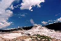 /images/133/2004-08-yello-geyser12.jpg - #02089: Geyser near Old Faithful … August 2004 -- Yellowstone, Wyoming