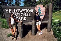 /images/133/2004-08-yello-park-sign.jpg - #02110: Yellowstone entrance from Cody, Wyoming … August 2004 -- Yellowstone, Wyoming
