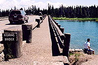 /images/133/2004-08-yello-tourists5.jpg - #02119: Fishing Bridge but not for fishing … August 2004 -- Yellowstone, Wyoming
