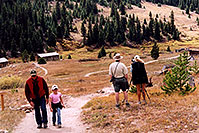/images/133/2004-09-indep-town-people.jpg - #02122: images of Ghost Town of  Independence, by Independence Pass … Sept 2004 -- Independence Pass, Colorado
