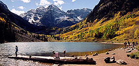 /images/133/2004-09-maroon-bells-peo-pa.jpg - #02194: Maroon Lake (elev 9,580ft) in front of Maroon Bells (elev 14,156ft) … Sept 2004 -- Maroon Peak, Maroon Bells, Colorado