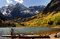/images/133/2004-09-maroon-bells-peopl2.jpg - #02196: Maroon Lake (elev 9,580ft) in front of Maroon Bells (elev 14,156ft) … Sept 2004 -- Maroon Lake, Maroon Bells, Colorado