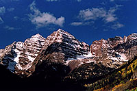 /images/133/2004-09-maroon-close1.jpg - #02176: snowy Maroon Peaks at mid-morning … Sept 2004 -- Maroon Peak, Maroon Bells, Colorado