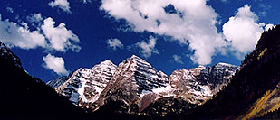 /images/133/2004-09-maroon-close2.jpg - #02200: snowy Maroon Peaks at mid-morning … Sept 2004 -- Maroon Peak, Maroon Bells, Colorado